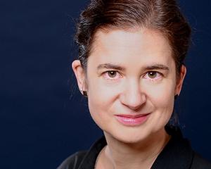 Portrait von Gudrun Rauwolf.